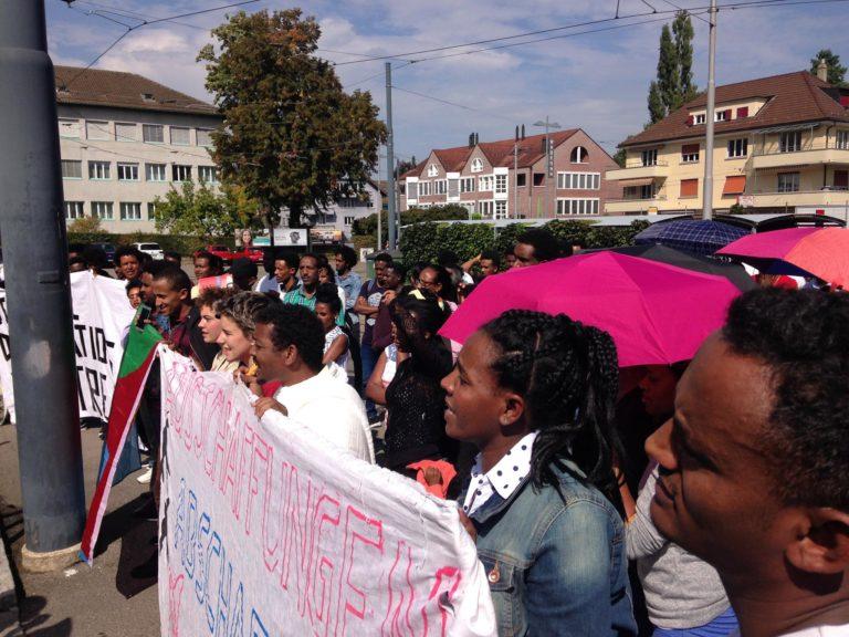 antira – Wochenschau: Erschwertes Asylverfahren, 3 Wochen ohne NGO-Rettungsschiffe, Asylentscheide nach Gefühl