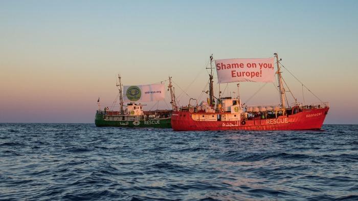 Migrationspakt stagniert, Tamil*innen in Gefahr, über den Ärmelkanal im Fischerboot