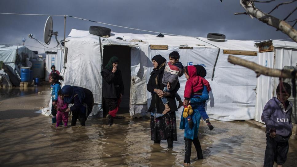 Allahu akbar, Abschiebung nach Afghanistan, Überschwemmungen in Camps
