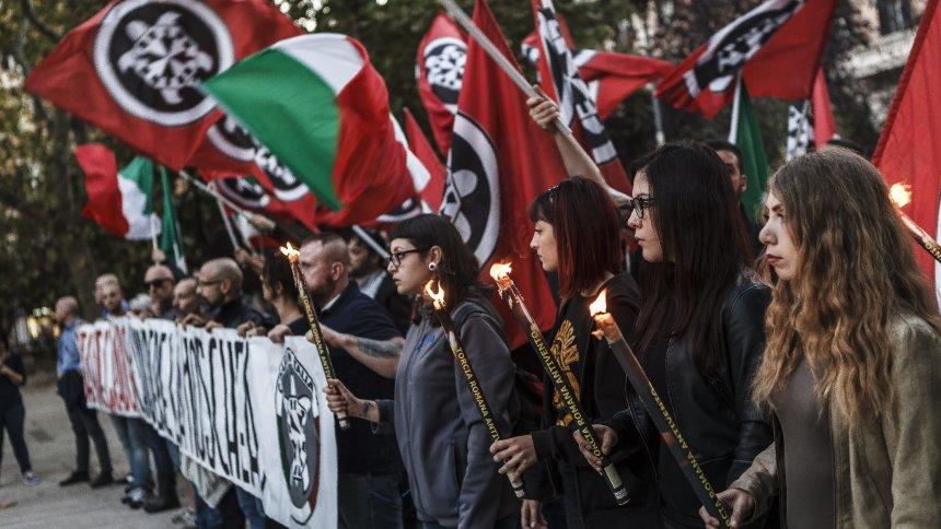 antira-Wochenschau: Fake-News in Weltwoche, Profitmaximierung in Bundeslagern, Widerstand in Cockpits